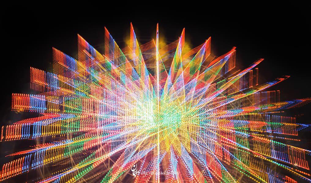 هنر عکاسی عکاسی در شب محمد دادستان عنوان: هندسه ی نور تکنیک: ICM مکان: تهران، پارک اِرم #city #my_city #carousel #colorful #amusement_park #eram_park #icm