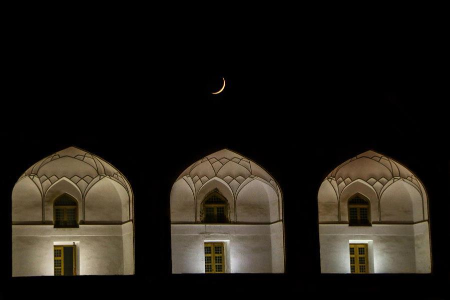 هنر عکاسی عکاسی در شب Masoud razeghi ماه در نصف جهان