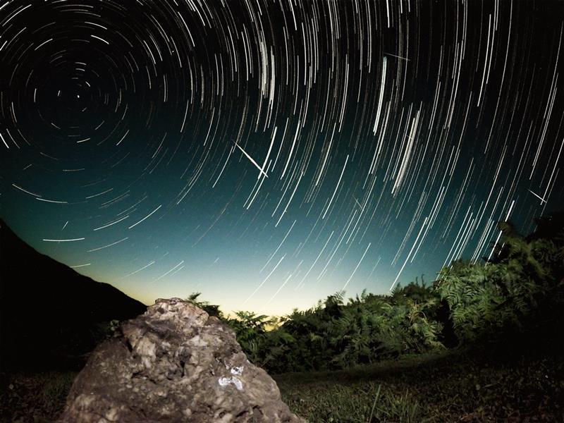 هنر عکاسی عکاسی در شب سهند قلیزاده بارش شهابی ۹۵ ارتفاعات ماسوله