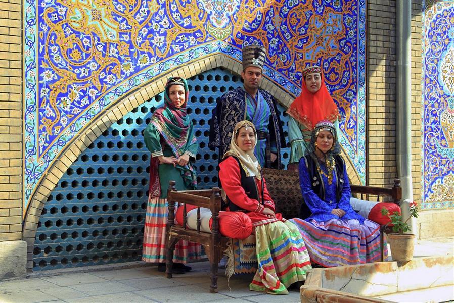 هنر عکاسی عکاسی فرهنگ ایرانی علیرضا ناصری  تهران/ کاخ گلستان.لباس ایرانی