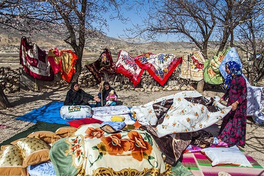 هنر عکاسی عکاسی فرهنگ ایرانی داود ایزدپناه مراسم خانه تکانی در کشور ایران و چند کشور همسایه قبل از سال نو انجام می شود