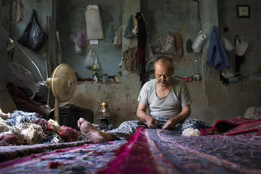 هنر عکاسی عکاسی فرهنگ ایرانی حامد خلیلی فرش و هنر فرش بافی هنر رفو گری همه و همه در ذات فرهنگ ایرانی می جوشد